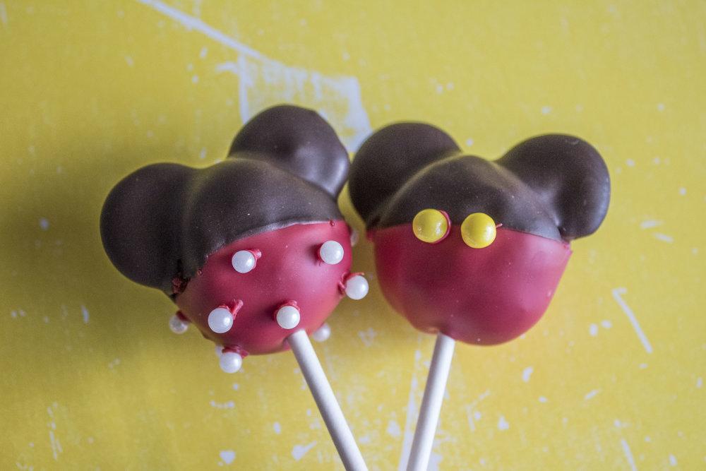 Mickey & Minnie Pops.jpg