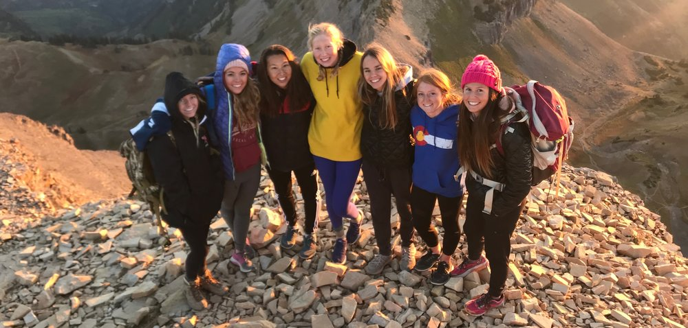 ALLIE HILL, FAR RIGHT, WITH SWIM TEAM FRIENDS HIKING MT. TIMPANOGOS.  (PHOTO COURTESY A. HILL)