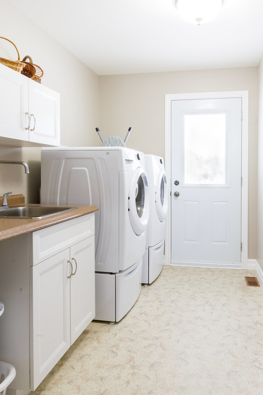 Laundry Room Configuration & Storage