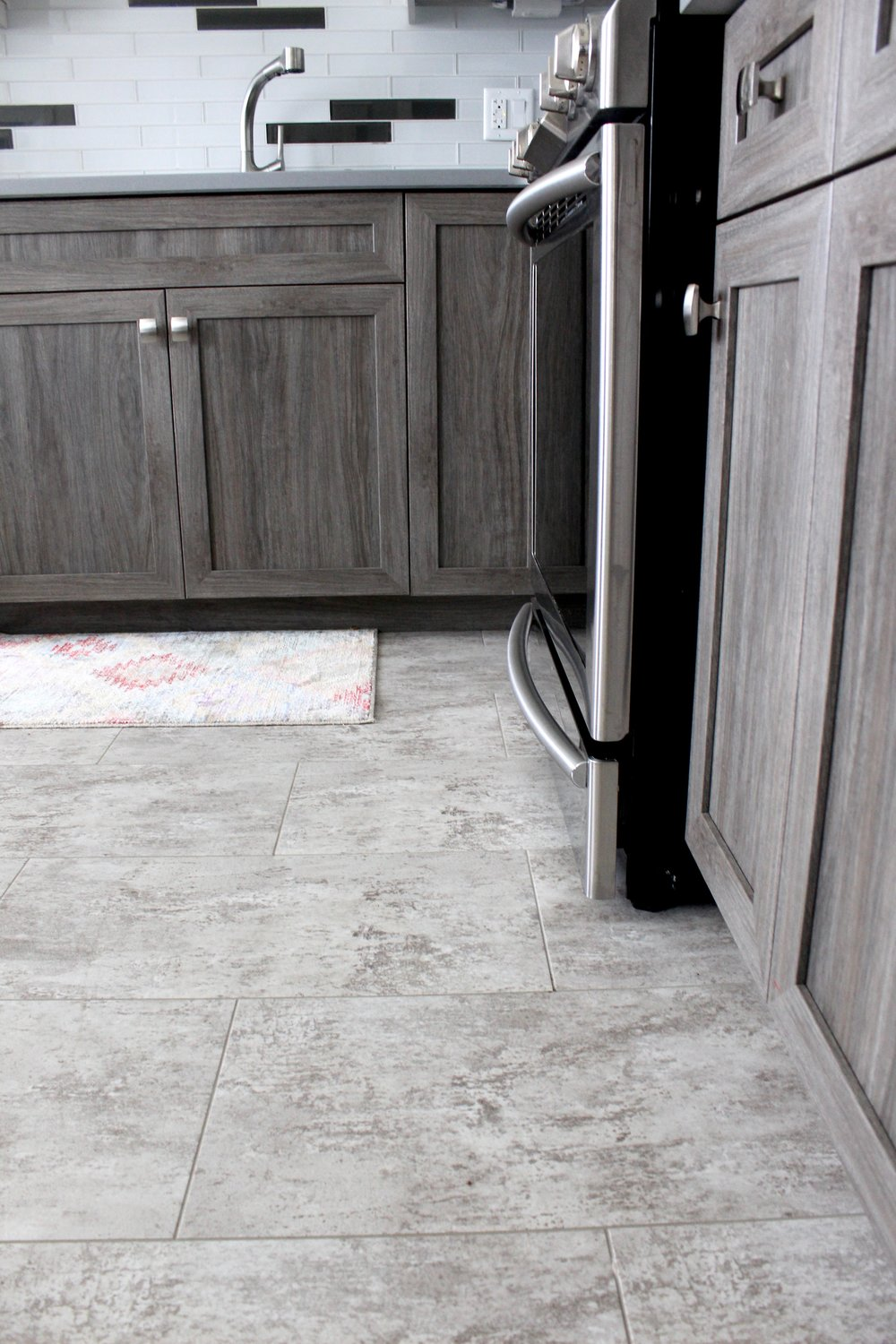 Vinyl tile-look grouted flooring
