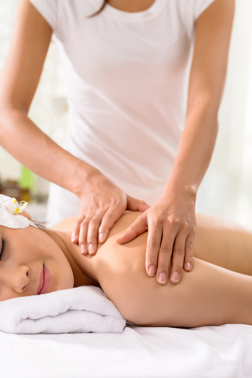 In-Home Massage - Massage therapy is an effective treatment for reducing stress, pain and muscle tension and a great way to spend some quality time recharging your batteries. Your busy schedule may not allow you to take advantage of these benefits as often as you'd like and that's where we come in. You pick the time and place and let your therapist handle everything else.Learn more about massage ➝