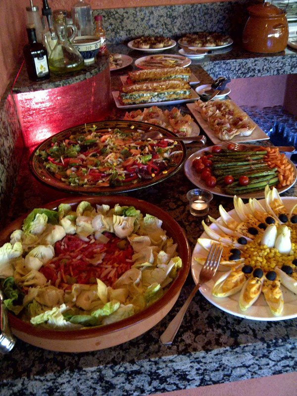 food-dinner-buffet-1.jpg