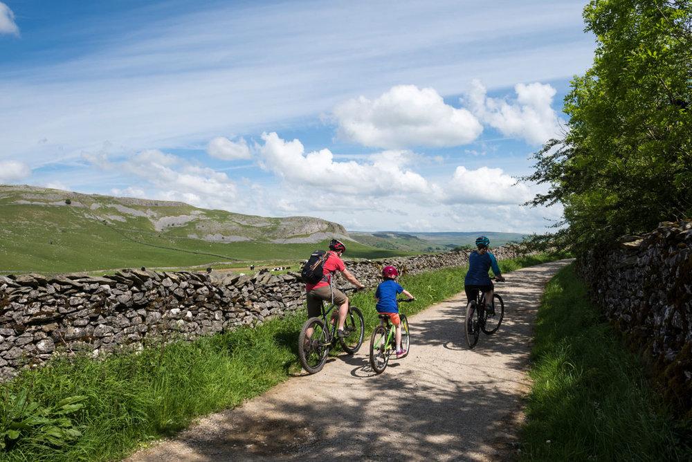 Yorkshire Dales Nat.Park Swale trail.jpg