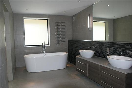 roseleigh bathroom (1).jpg