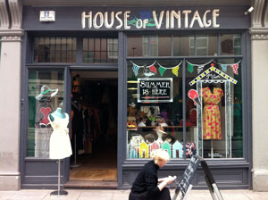 house of vintage - At the junction of Cheshire Street and Brick Lane, this shop spans a wide period from 1920s to 1980s. They are offering a 10% discount to customers who mutter