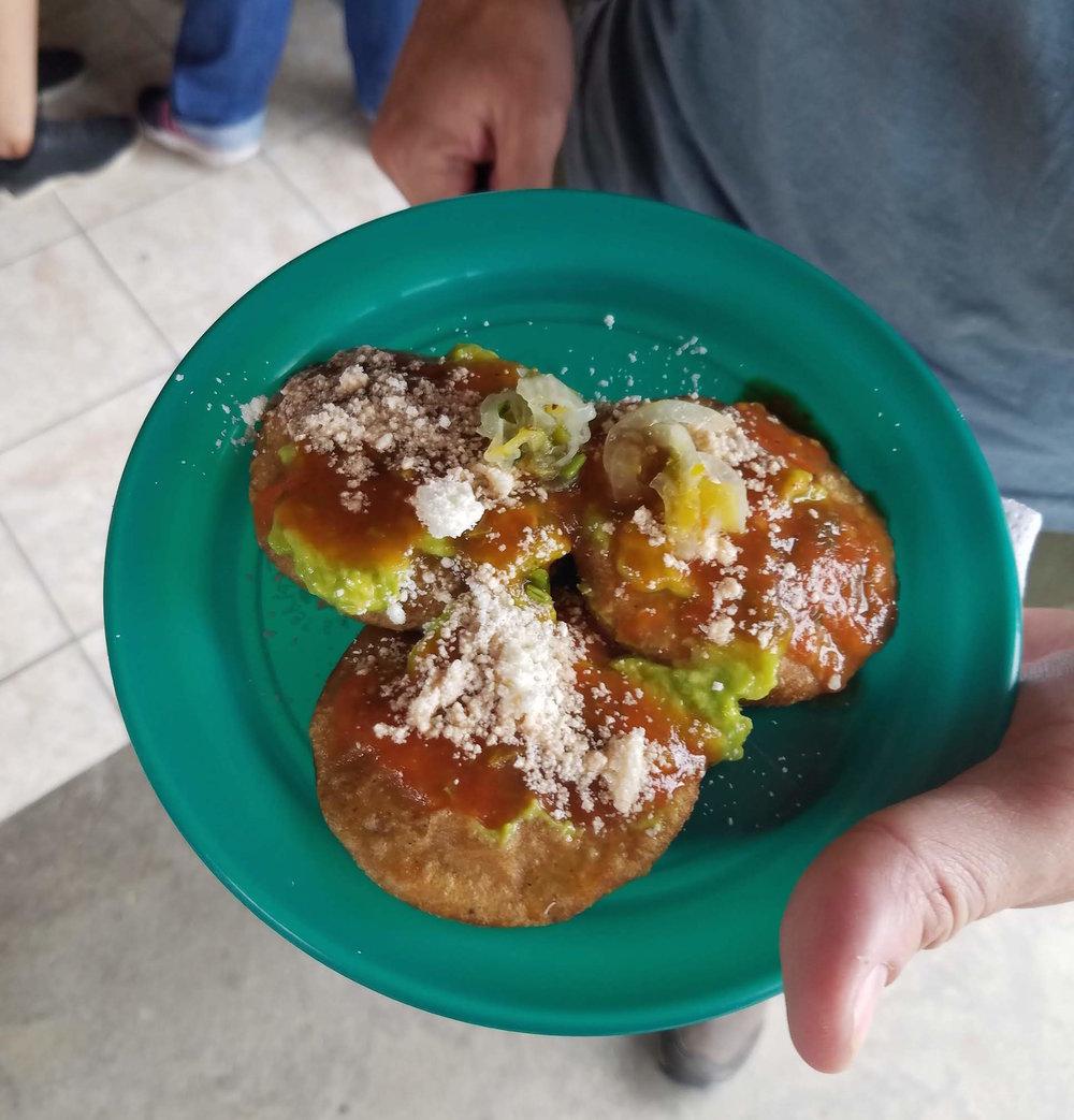 Roadside breakfast, San Ignacio