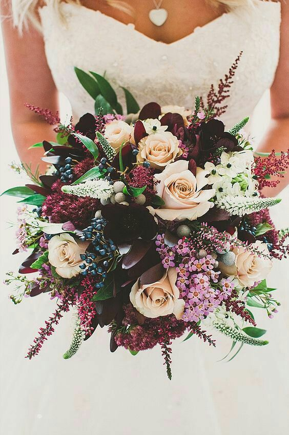There are so many choices when it comes to flowers and color. This one is both soft and bold, and so pretty!
