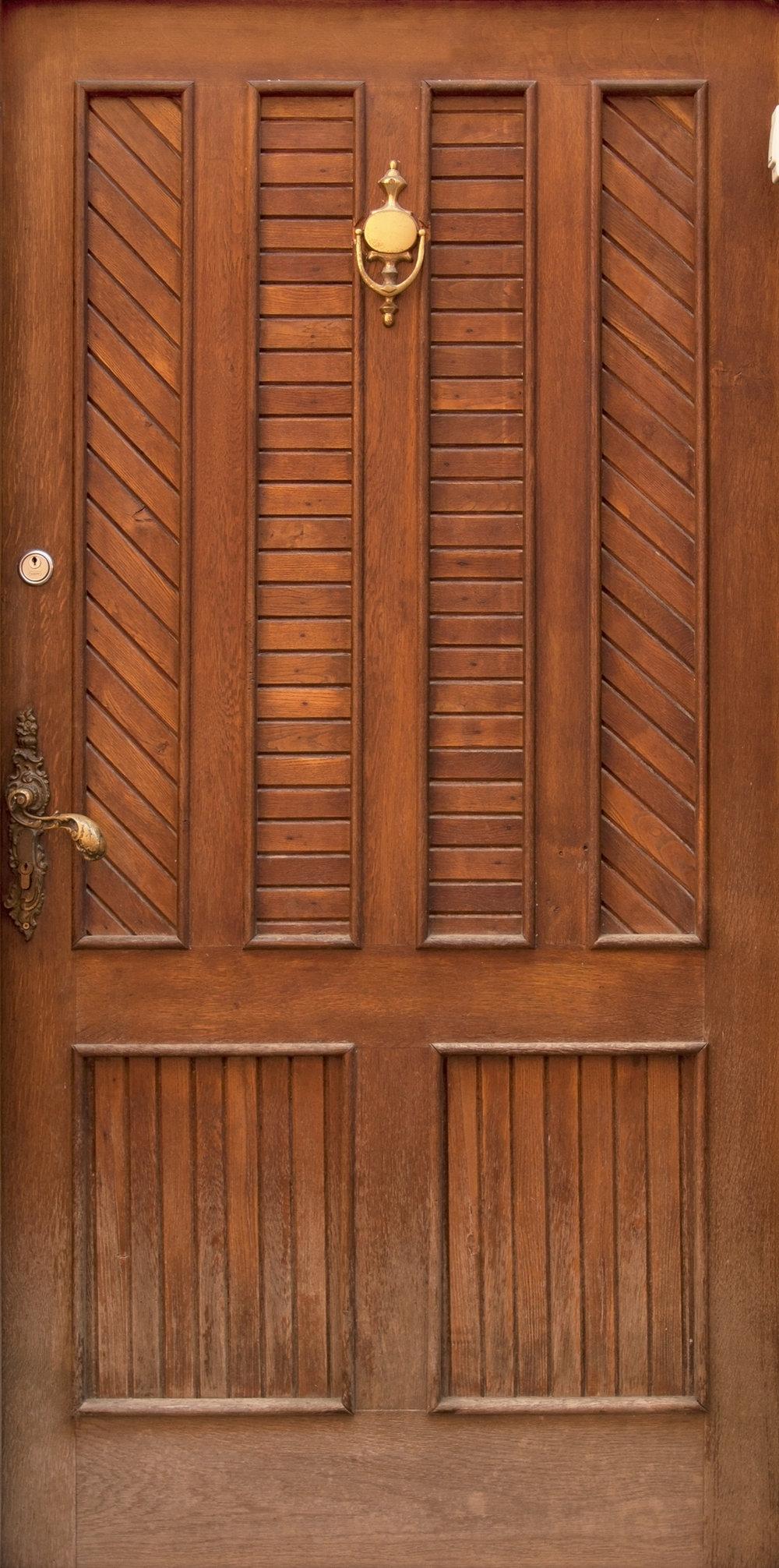 Modern Brass Knock Door.jpg