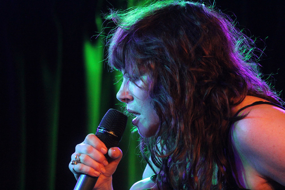 Frances Ruffelle performing at The Green Room 42, Photo Credit: JR Rost