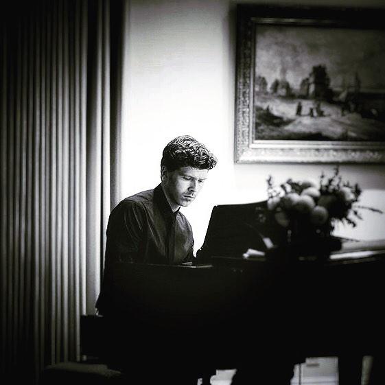 Will Reynolds composing
