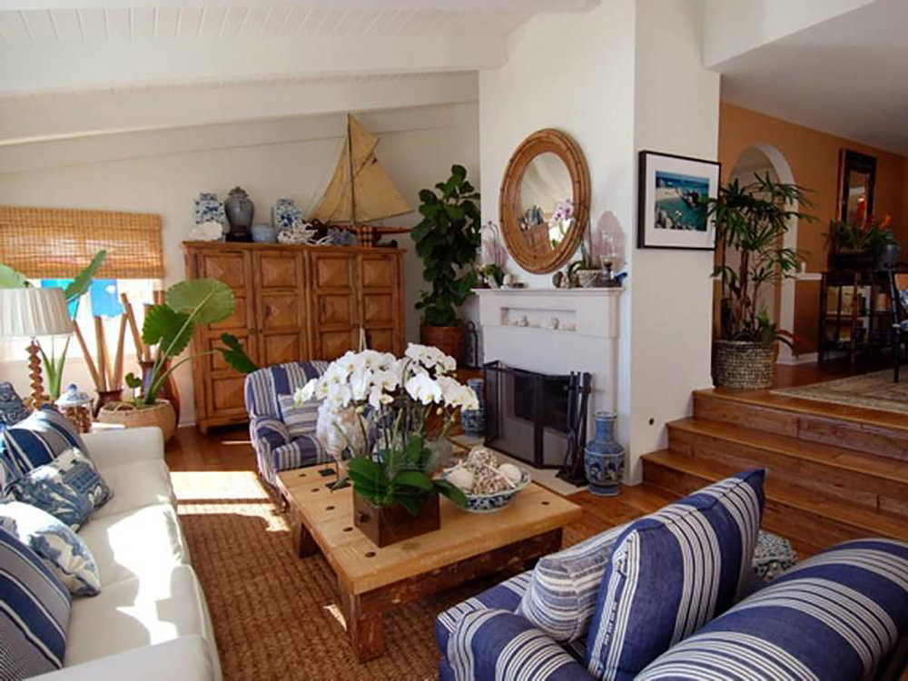 malibu-california-beach-cottage-living-room-interior-design-montgomery-home.jpg