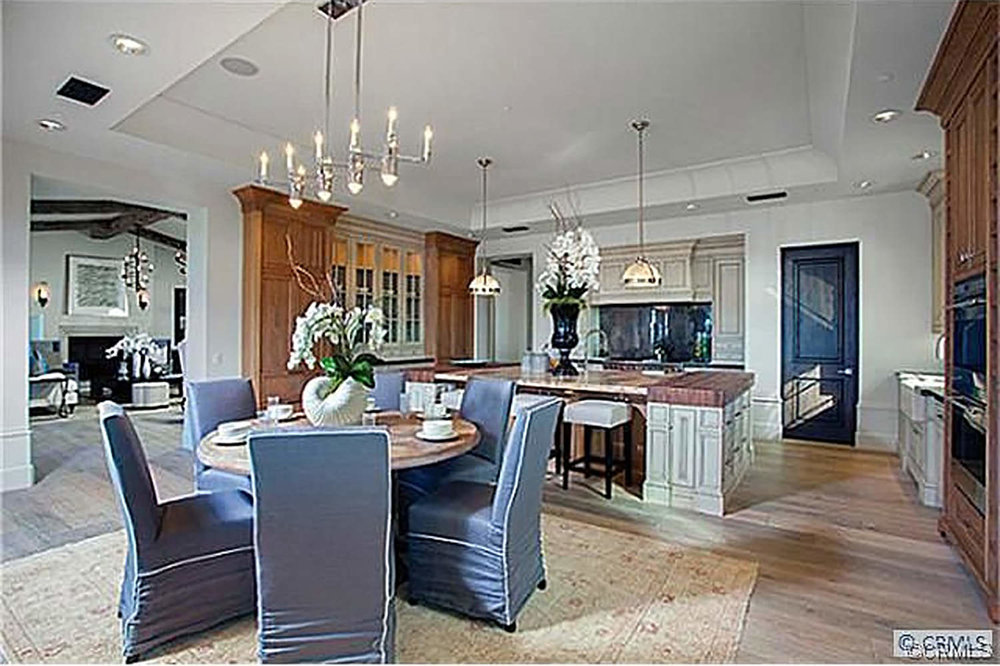 crystal-cove-california-breakfast-room-and-kitchen-interior-design-montgomery-home.jpg