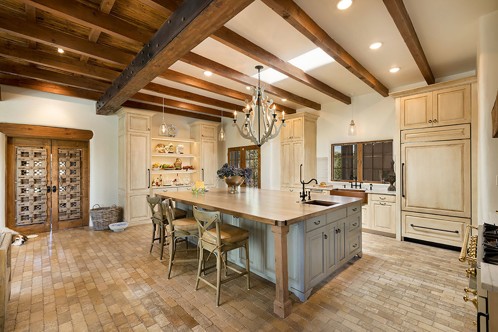 santa-fe-new-mexico-kitchen-breakfast-nook-interior-design-montgomery-home-4.jpg