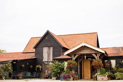 Essex wedding venue - Barn wedding - Essex wedding planner
