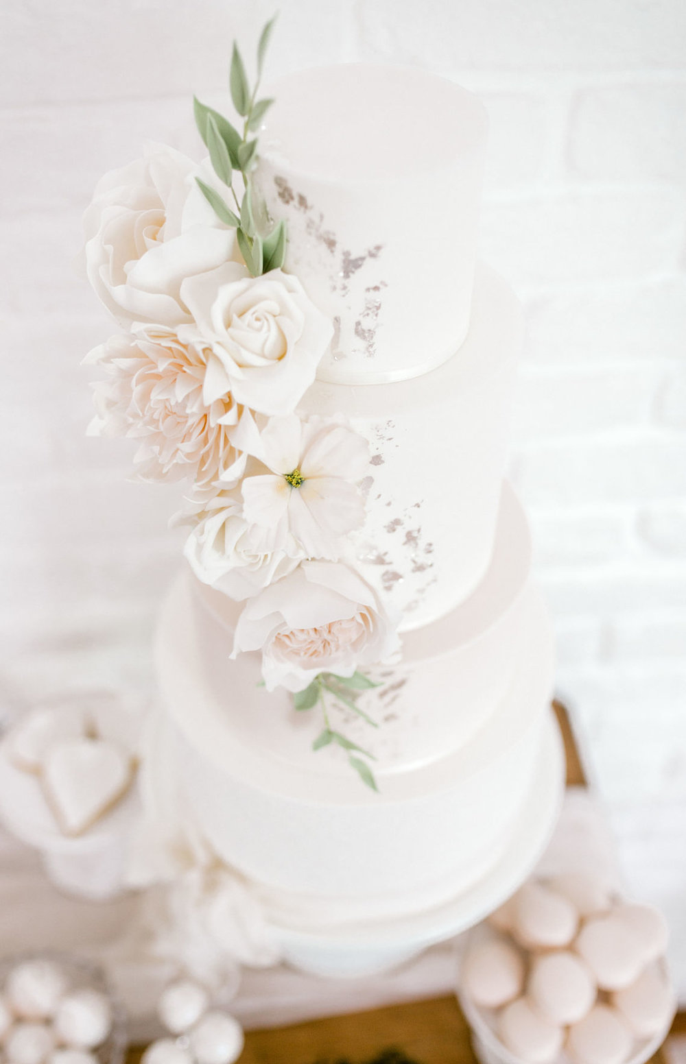 wedding-cake-sugar-flowers-blush-neutral-Essex-wedding-planner
