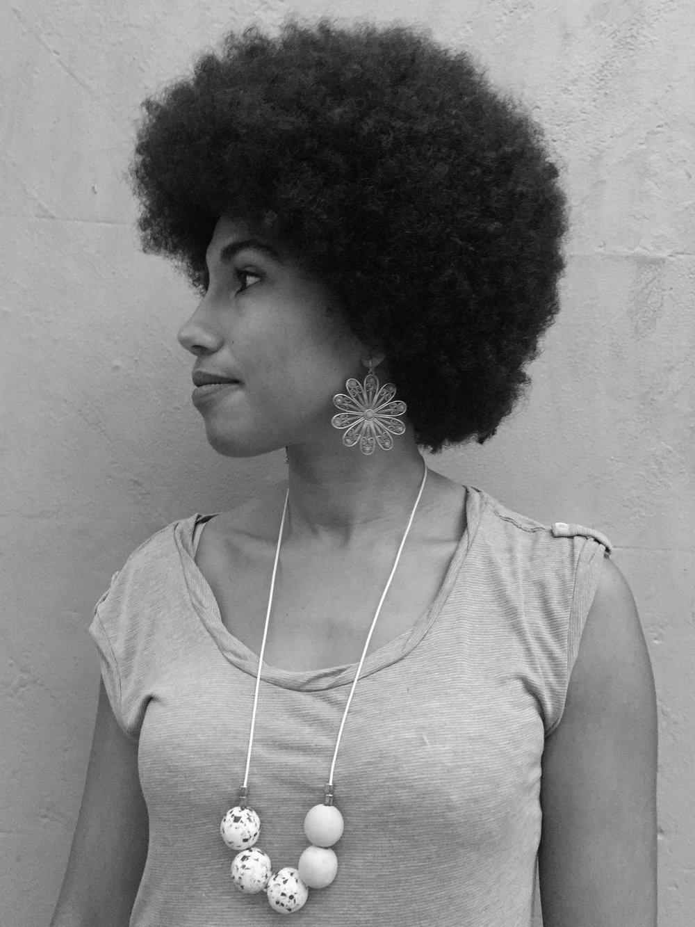 Afro re-shape side-on