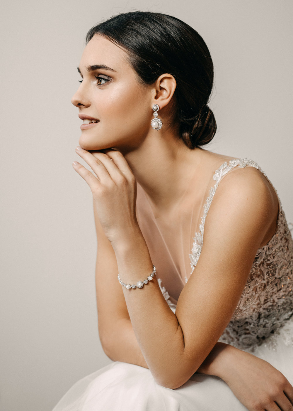 Biano - Modern Jewellery For Bride - Handmade in SwitzerlandEarrings and Bracelet SetsPossibility to Rush OrdersFree Shipping WorldwideCustomisable OrdersFast response on your questions