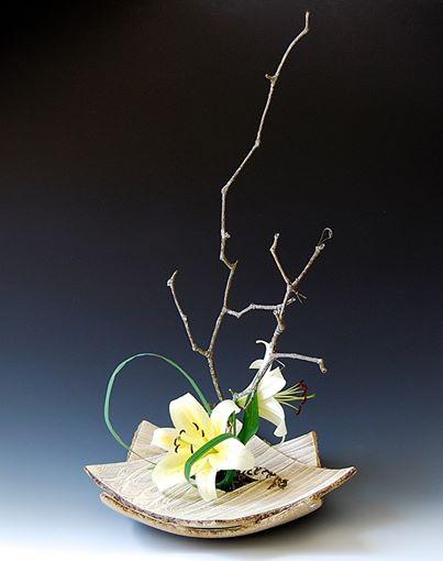 Curated by Akira SatakE. - Floating Islands:CERAMIC Ikebana Vessels8/24-11/2
