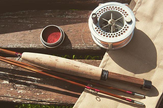 A little bespoke built 6.5ft 4 weight.  #splitcaneflyrod #bambooflyrod #flyfishing #troutfishing #springiscoming #madeindevon #southdevon #gwgregory #rodmaker