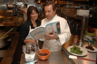 Chef Daniel Boulud makes Sneaky Chef Brainy Brownies with Missy