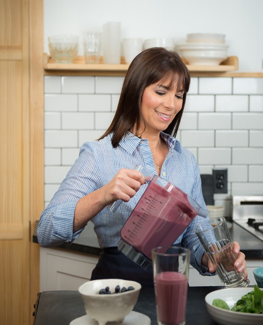 photo mcl pouring smoothie blends book1.jpg