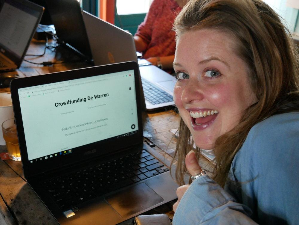 Jara is blij met haar obligaties. Foto: Cripta Scheepers