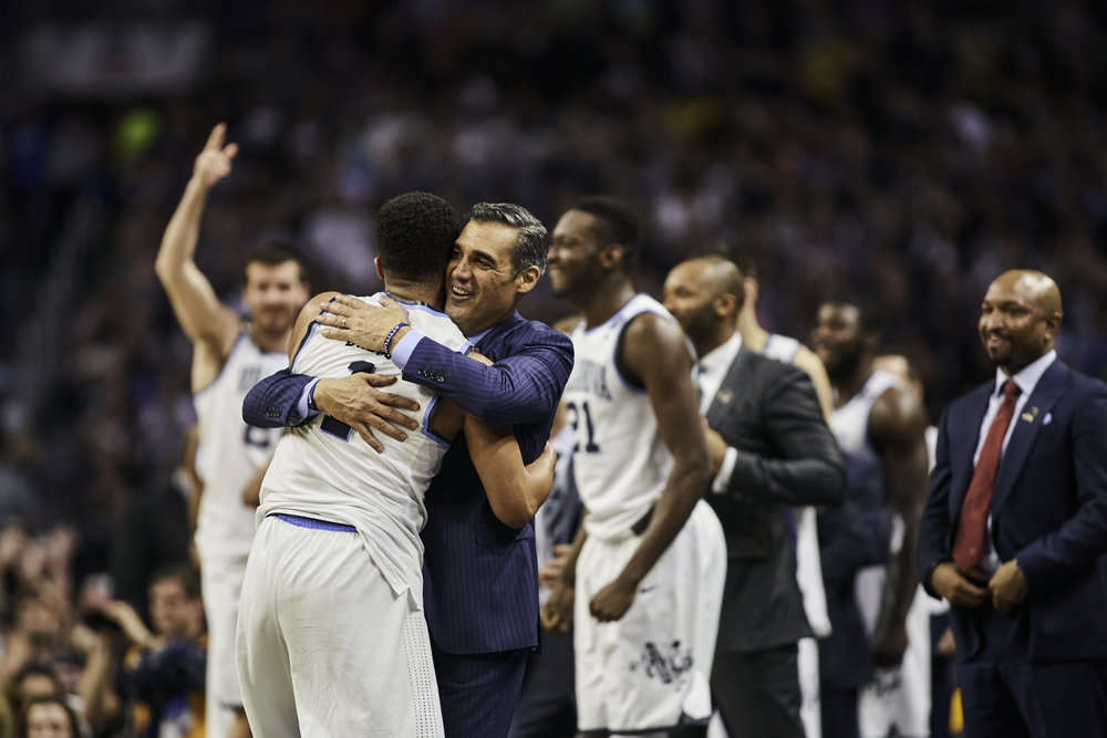 Jay Wright hugs Phil Booth as the game draws to a close.   Sony A9, Canon EF 300mm f2.8L