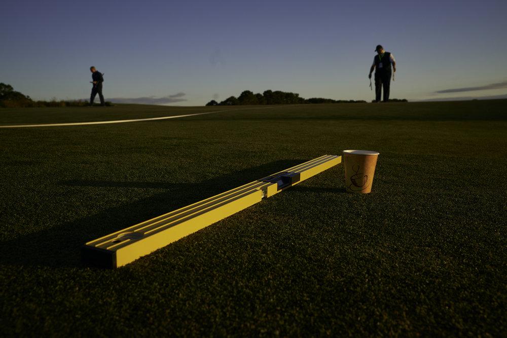 Setting the hole location on the 2nd green.   Sony A9, Sony 24-70mm f2.8 GM. ©USGA/Darren Carroll