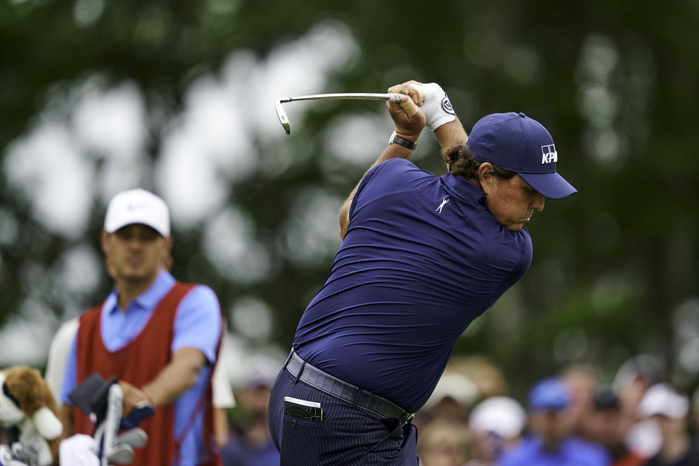 Phil Mickelson tees off at the 7th during Friday's second round.   Sony A9, Sony 400mm f2.8 GM-OSS.  ©USGA/Darren Carroll