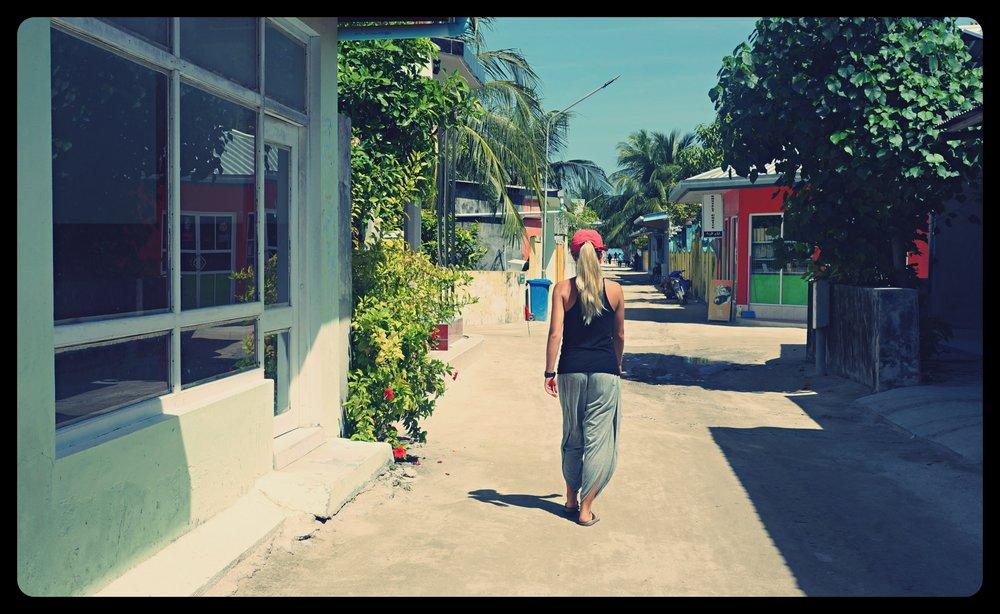 Spacer po mieście na wyspie Rashdoo