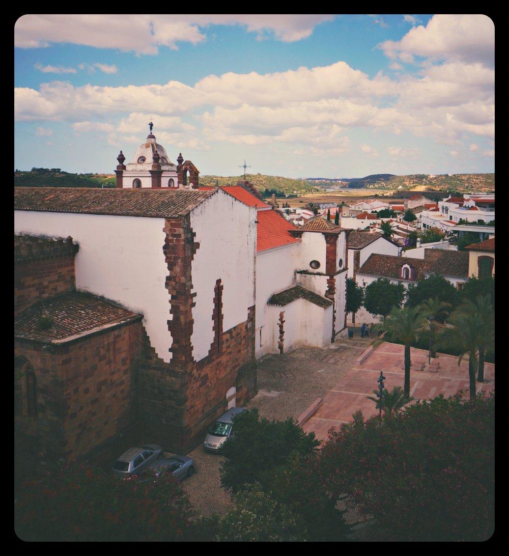 Charakterystyczna zabudowa miasteczek w rejonie Algarve