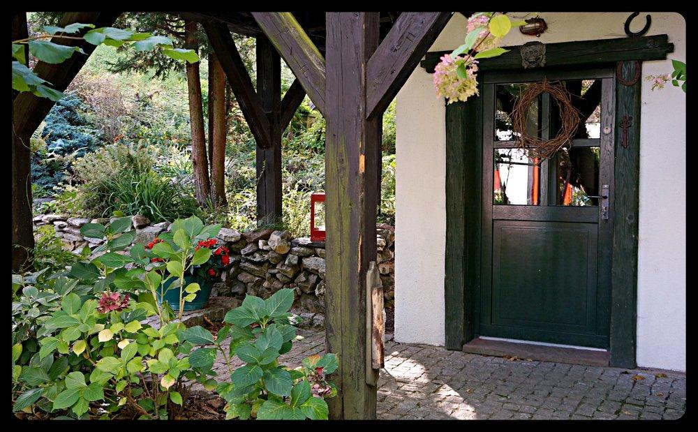 outside.mały.domek_altertonative.JPG