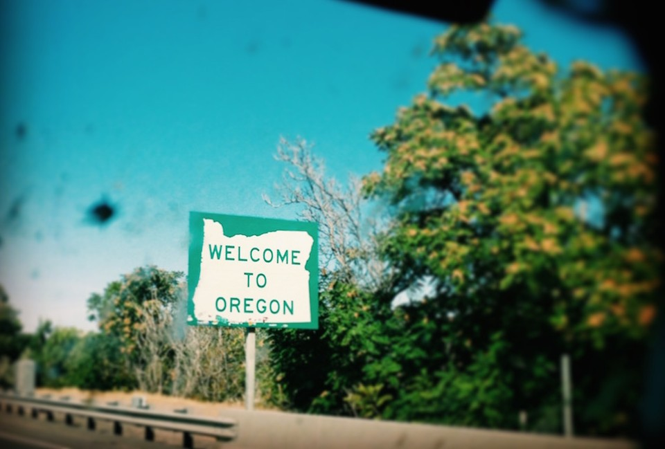 Oregon sign, interstate 84