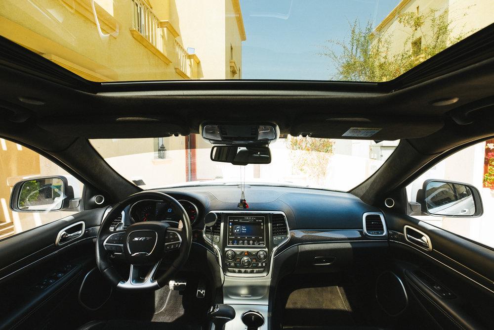 jeep-srt-interior.jpg