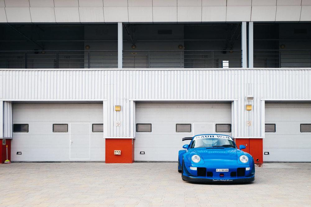 This very unique RWB, with its dark blue color is an absolute pleasure to look at and hear