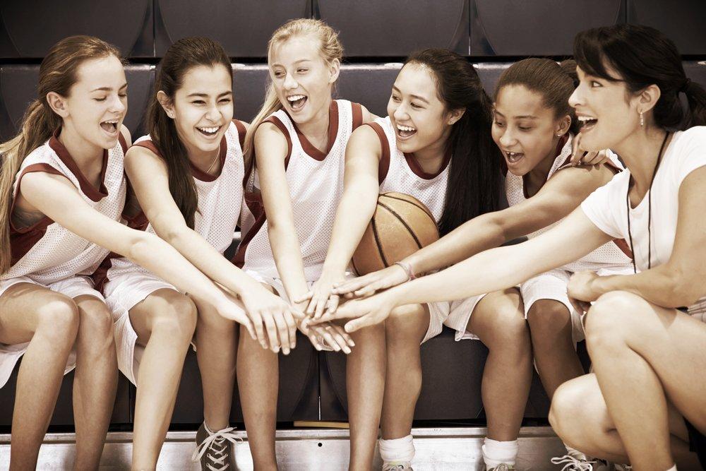Mental träning för idrottare och idrottsföreningar - Jag coachar såväl lag, tränare som enskilda idrottare. Jag har mångårig erfarenhet av toppidrott, med sprint och häck som huvudgrenar. Tack vare min egen idrottserfarenhet samt utbildning till mental tränare vet jag vad det innebär att vara en vinnare och kan stödja på rätt sätt.Populära teman som jag jobbar med är: hur vara bäst när det gäller, vända motgång till framgång, förbättra lagandan, lyfta blicken mot högre mål och nå dit man vill.