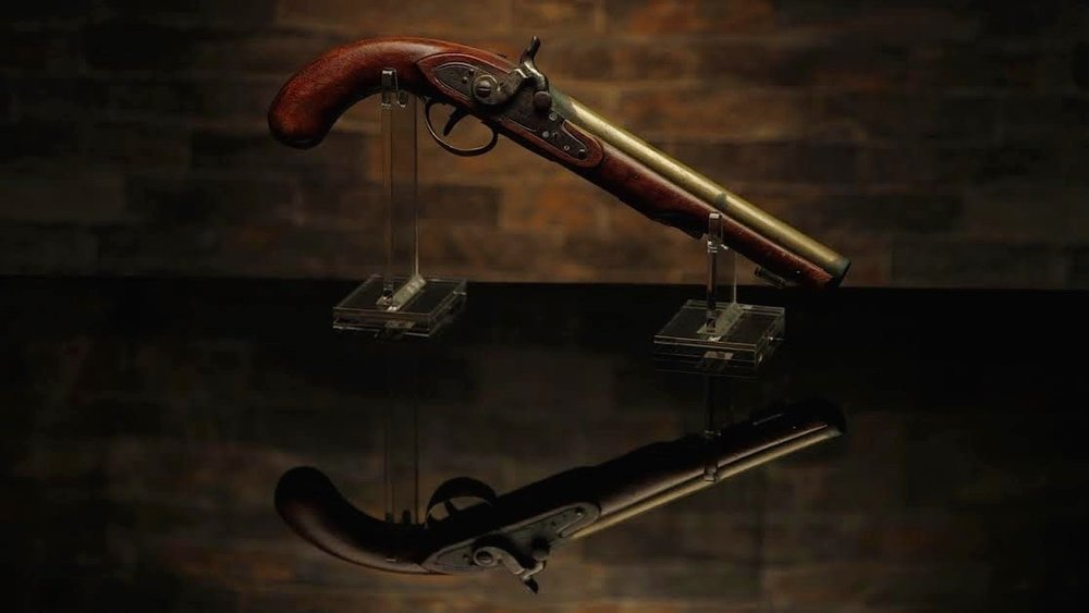tom-donatelli-lifestyle-portrait-candid-photographer-revolver