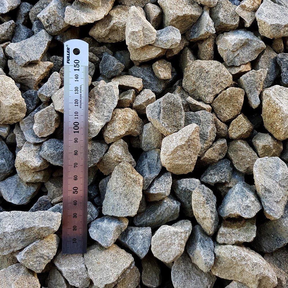 Limestone Chip 20-40mm.jpg