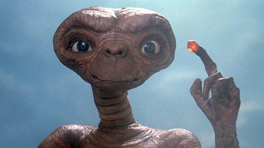 #4)E.T. the Extra-Terrestrial - (1982 - dir. Steven Spielberg)