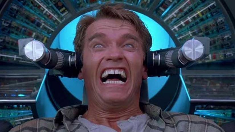 #33) Total Recall - (1990 - dir. Paul Verhoeven)