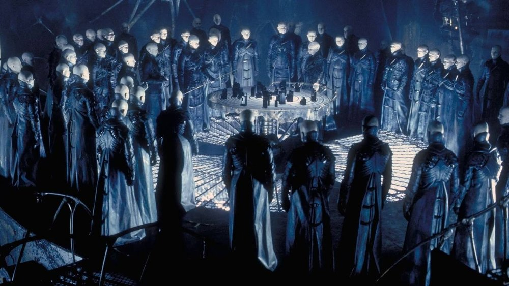 #34) Dark City (+8) - (1998 - dir. Alex Proyas)