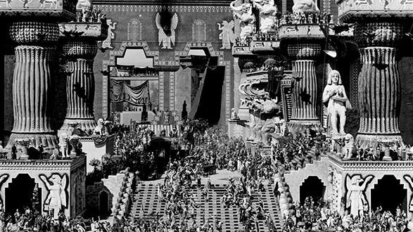 #17) Intolerance - (1916 - dir. D. W. Griffith)