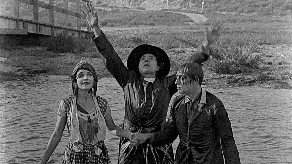 #92) The Scarecrow - (1920 - dir. Edward F. Cline, Buster Keaton)