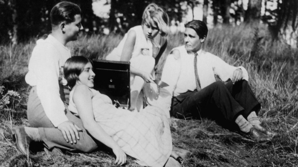 #95) People on Sunday - (1930 - dir.Robert Siodmak & Edgar G. Ulmer