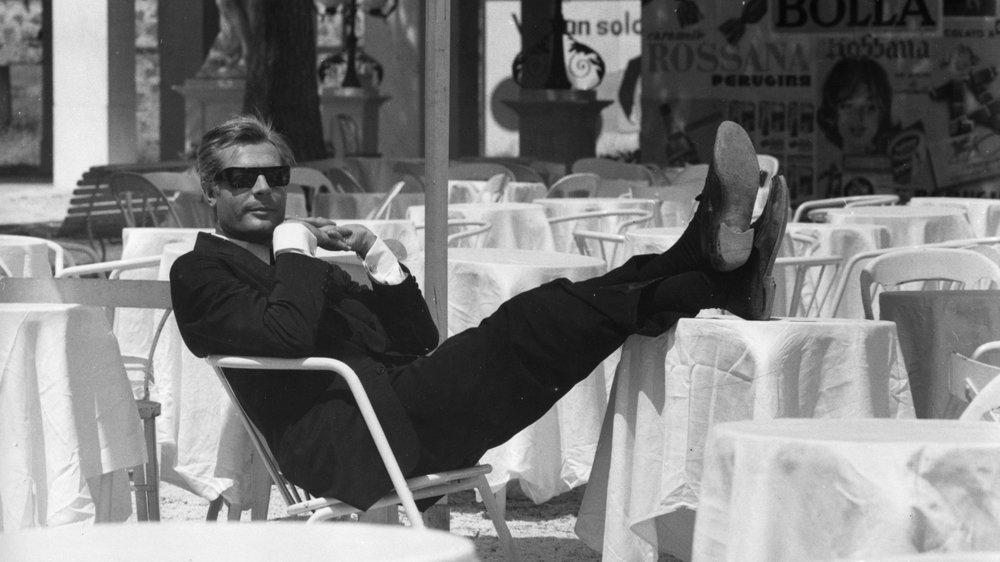 #19) 8½ - (1963 - dir. Federico Fellini)