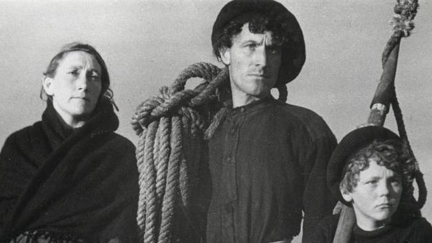 #34) Man of Aran - (1934 - dir.Robert J. Flaherty)