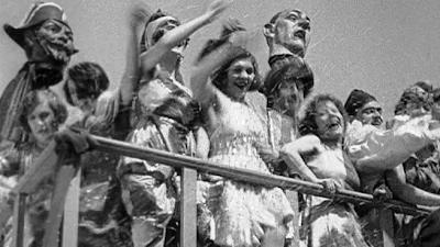 #50) À propos de Nice - (1930 - dir. Jean Vigo)
