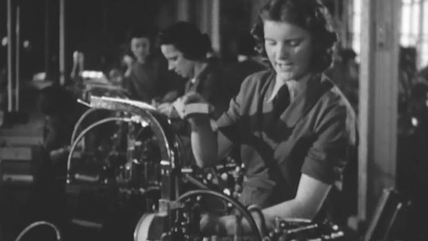 #62) Listen to Britain - (1942 - dir.Humphrey Jennings, Stewart McAllister