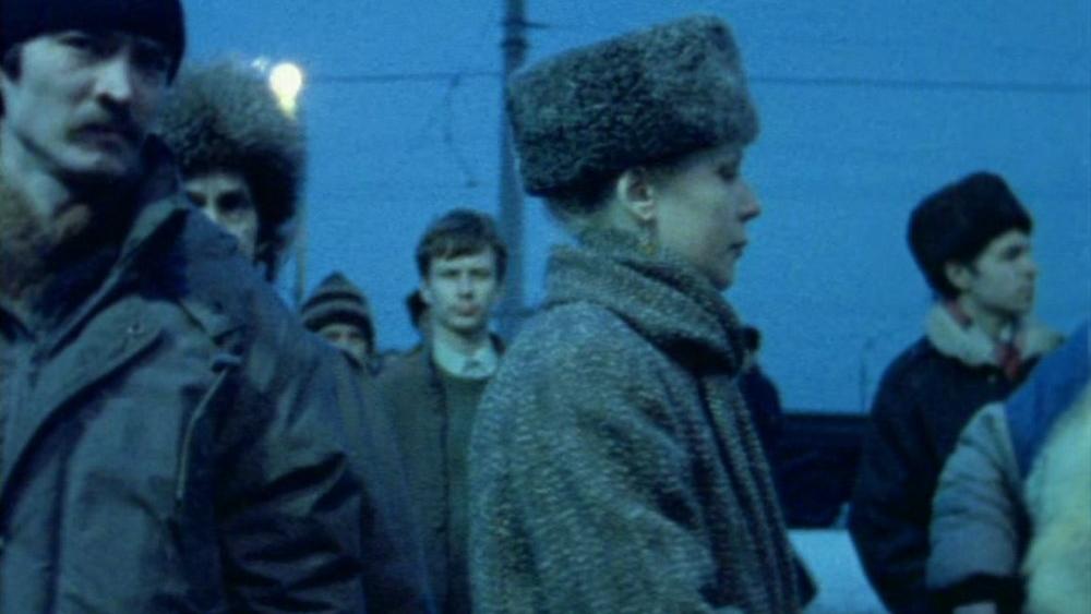 #79) D'Est - (1993 - dir. Chantal Akerman)