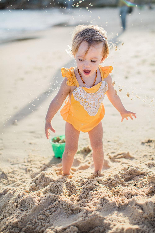 family-photographer-sydney-beach-01-1.jpg